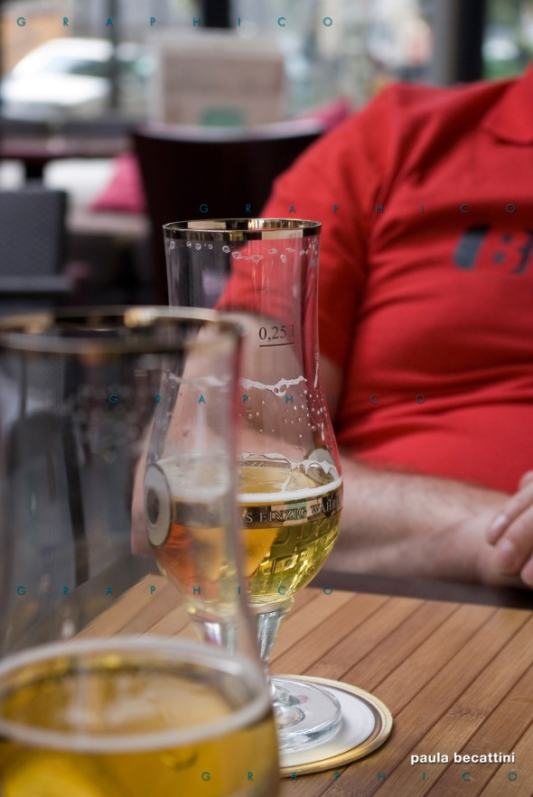 Birra in un pub di Parigi