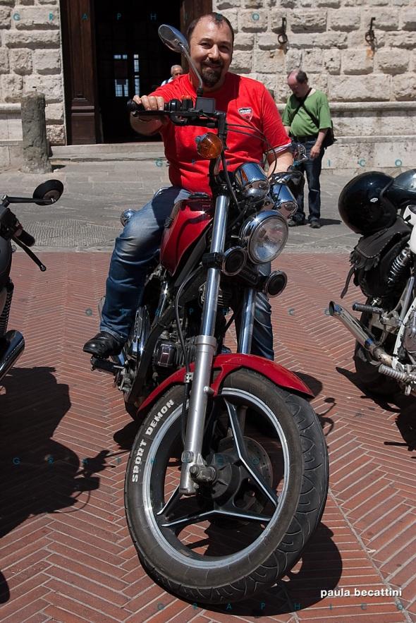 Alfonso sulla sua Indiana 350