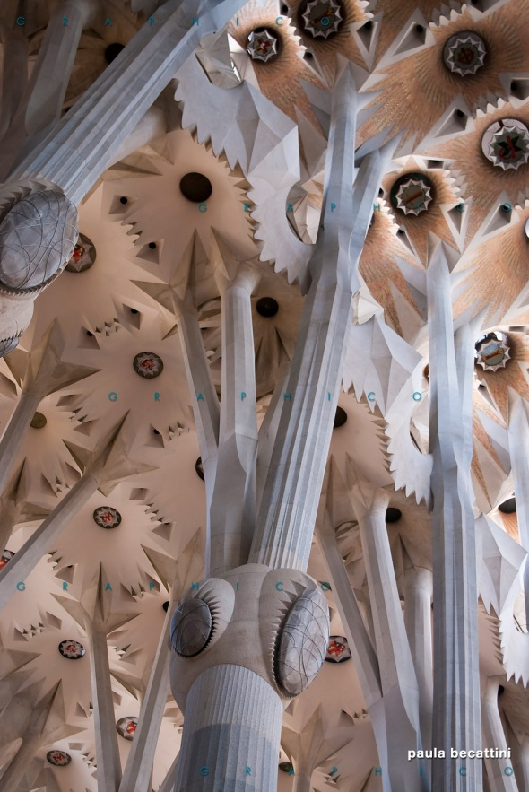 La Sagrada Família (interno) - particolare di una colonna