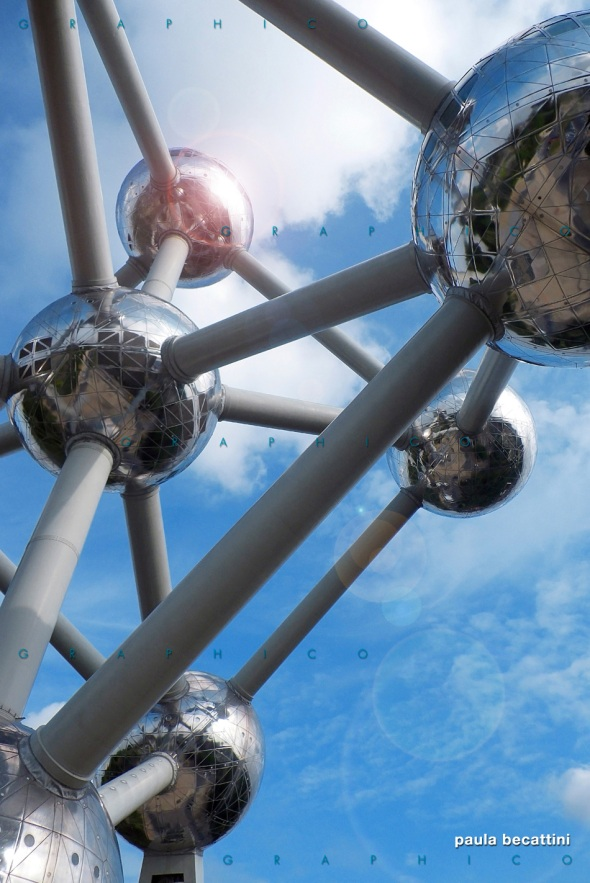 Particolare del monumento Atomium a Bruxelles