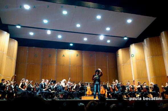 Allevi si presenta sul palco del Teatro Verdi di Firenze (15 novembre 2012)