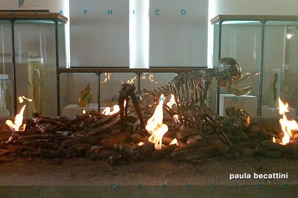 Amplesso scheletrico di Marc Quinn