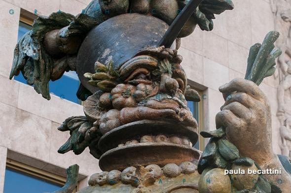 Statua di Dante Ferretti (particolare)
