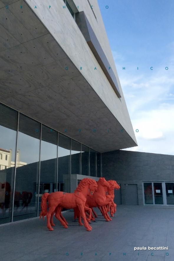 Cavalli rossi, Nuovo Teatro dell'Opera di Firenze