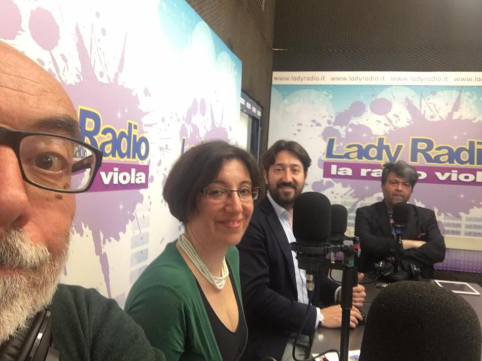 On the air - Lady Radio